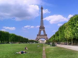 paris-988112_960_720